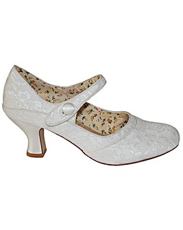 Perfect Button Bar Lace Shoe