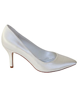 Perfect Ivory Pointed Court Shoe