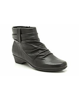 Clarks Matron Ella Boots