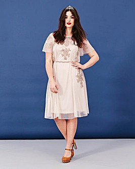Simply Be Short Sleeve Embroidered Dress