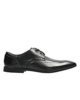 Clarks Bampton Limit Brogue G Fitting
