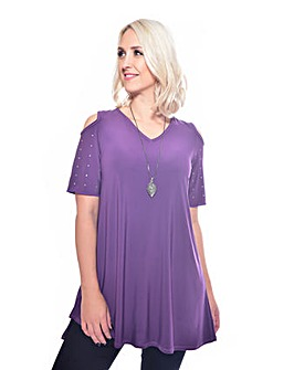Grace tulip hem tunic with necklace
