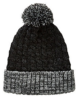 Williams & Brown Bobble Hat