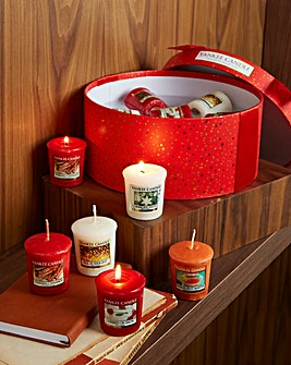 Yankee Candle Red Hat Box Votive Set