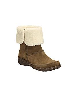 Clarks Avington Grace Boots