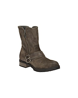 Clarks Faralyn Rise Boots