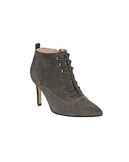 Clarks Dinah Star Boots