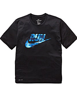 Nike Dry Logo T-Shirt Regular