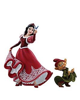 Disney Showcase Snow White & Dopey