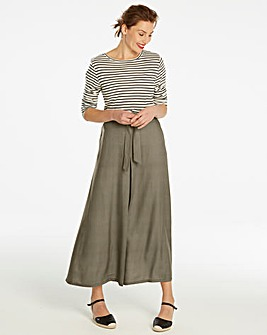 Centre Front Pleat Maxi Skirt
