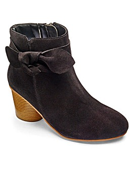 Sole Diva Leather Bow Boots E Fit