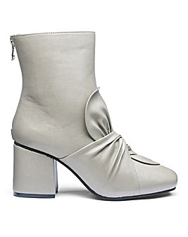 Sole Diva Edith Bow Boots EEE Fit