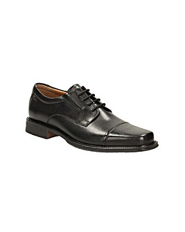 Clarks Driggs Cap Shoes