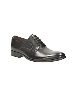 Clarks Banfield Walk Shoes