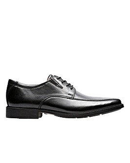 Clarks Tilden Walk Shoes H fitting