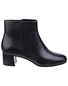 Rockport Total Motion Novalie Bootie 2