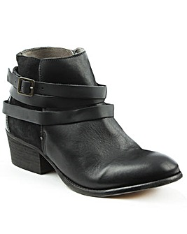 Husdon Black Suede Ankle Boot