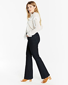 Value Bootcut Jeans Short