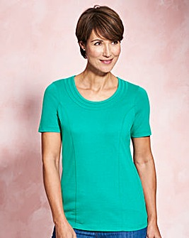 Plain Jersey Top with Neck Detail