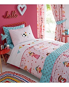 Dressing up Embroidered Duvet Set