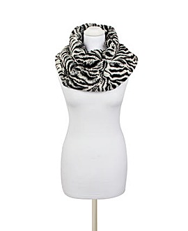 Pia Rossini Jackson Snood