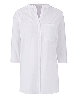 White Shirt With Leaf Embroidery
