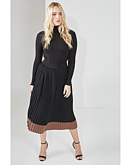 Elvi Contrast Pleated Skirt