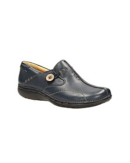 Clarks Un Loop Shoes