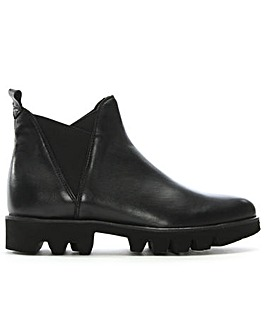 Daniel Shiner Cleated Sole Chelsea Boots