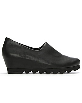 Hogl Leather Saw Edge Wedge Day Shoes