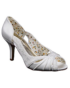 Perfect Lace/Satin Open Toe Sandal