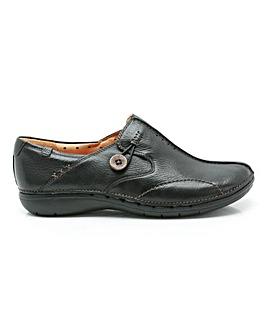 Clarks Un Loop Shoes