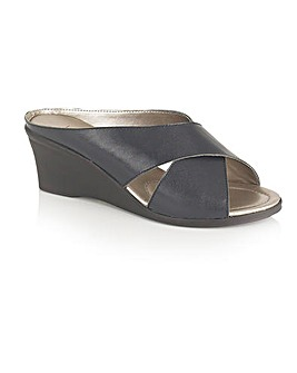 Lotus Trino Casual Sandals