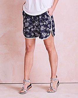 Print Curved Hem Tipped Shorts