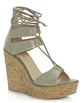 Daniel New England Beige Leather Wedge