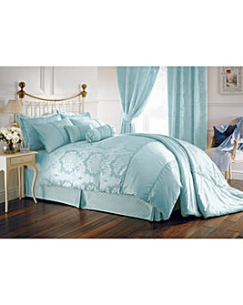 Balmoral Bedlinen Housewife Pillowcases