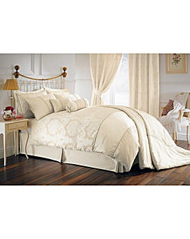 Balmoral Bedlinen Housewife Pillowcases