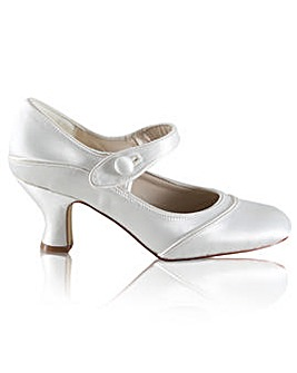 Perfect Button Bar Dyeable Satin Shoe