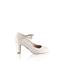 Perfect Martha Lace Bar Shoe