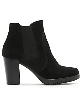 Daniel Lagena Low Platform Chelsea Boots