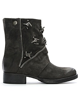 Daniel Mola Leather Barbed Biker Boots