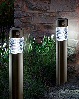 Set of 2 Pharos Garden Solar Lights