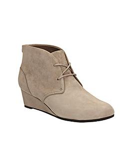 Clarks Vendra Peak Boots