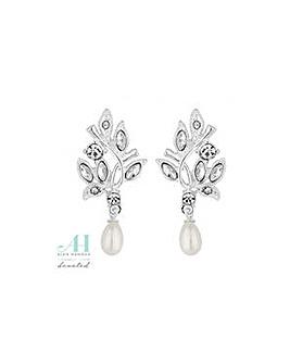 Alan Hannah pearl droplet earring