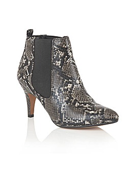 LOTUS CHIKA ANKLE BOOTS