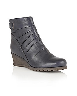 LOTUS ZAHIRA ANKLE BOOTS