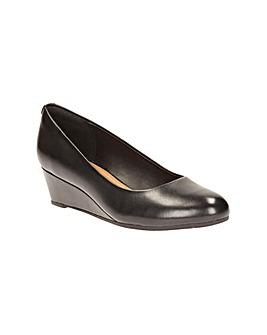 Clarks Vendra Bloom Shoes