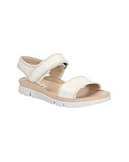 Clarks Tri Nova Sandals