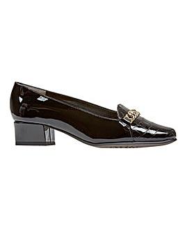 Van Dal Castile -� Black Patent / Croc P