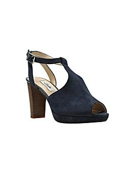 Clarks Kendra Charm Sandals
